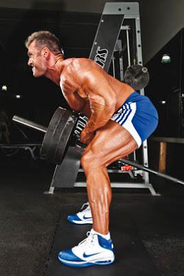 Bodybuilding Approccio anatomico del famoso canottaggio con barra a T
